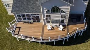700 square foot circular deck