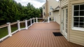 Fiberon Good Life Cabin Brown Deck